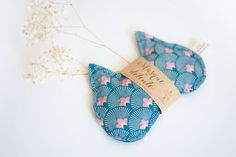 Ähnliche Artikel wie Cat head Relaxation mask with organic linen and essential oils - Night or Sleep mask, nap mask, eye mask - Yoga accessory — Travel accessory auf Etsy Yoga, Sleep Mask, Coin Purse, Etsy, Image, Yoga Tips, Yoga Sayings, Coin Purses, Purse