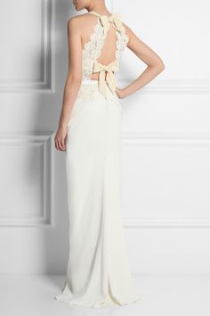 1e2c91f9544 Roland Mouret - Hexam embroidered lace and stretch-crepe gown
