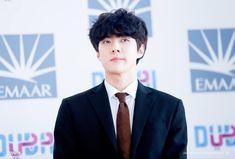Park Chanyeol Exo, Baekhyun, Celebrity List, Chinese Boy, Boy Bands, Korea, Celebrities, Boys, Baby Boys