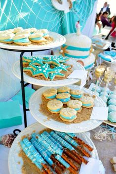 Ideas beach bridal shower favors dessert tables for 2019 Beach Theme Desserts, Beach Dessert, Bridal Shower Desserts, Wedding Desserts, Beach Themes, Beach Theme Cakes, Beach Themed Food, Beach Themed Weddings, Wedding Cakes