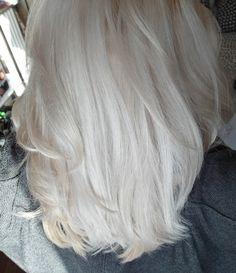Les folies de Cecy - Blog Beauté : maquillage pas cher, blond, astuce beauté, rouges à lèvres: Le blond presque blanc : mes conseils pour une décoloration à la maison