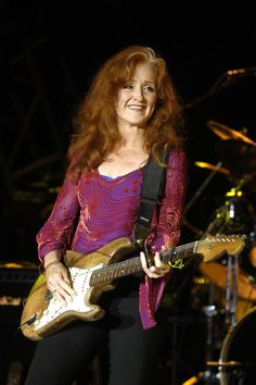 Bonnie Raitt    legendary slide player. I could listen to her alllll day. One of our very best..!