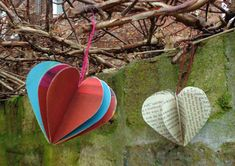 Paper Heart Decorations Here is a hanging decoration that you can make quite quickly - fun for Valentine's Day, weddings or other. Heart Decorations, Paper Decorations, 3d Paper, How To Make Paper, Valentines Day, Planter Pots, Projects To Try, 3d Hearts, Fun