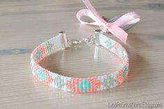 Bracelet tissé, bracelet de Ibiza, perles bracelet avec menthe breloque, pendentif argent blanc rose