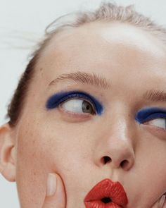 Beauty editorial with Gemma Ward (Model), Nicolas Kantor (Photographer), Katelyn Gray (Wardrobe Stylist), Emi Kaneko (Makeup Artist), Marki Shkreli (Hair Stylist) for Allure Magazine U. Glam Makeup, Makeup Inspo, Makeup Art, Makeup Inspiration, Eye Makeup, Fairy Makeup, Mermaid Makeup, Crazy Makeup, Allure Beauty