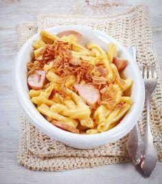 Schweizer Käsenudeln anstelle von Fleischwurst gekochten Schinken nehmen!