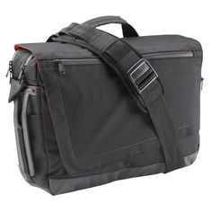 This bag combines the benefits of a medium-sized shoulder bag with the  comfort of a backpackThe messenger bag becomes a backpack in a single  stroke   vice ... dc0bed47481
