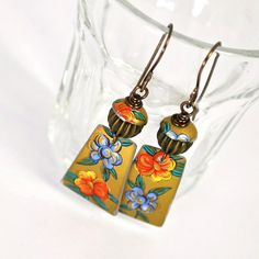 Earrings from Vintage Tin Recycled Head Jewelry, Boho Jewelry, Jewelry Crafts, Jewelry Design, Jewlery, Yellow Earrings, Diy Earrings, Earrings Handmade, Artisan Jewelry