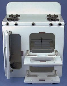 Merveilleux Miniature Stoves, Refrigerators, And Sinks