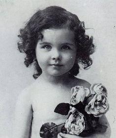 Vivien Leigh as a little girl.