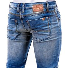 Denim Pants, Ripped Jeans, Farmer Outfit, Armani Jeans Men, Estilo Denim, Bermuda, Denim Fashion, Jeans Style, Fendi