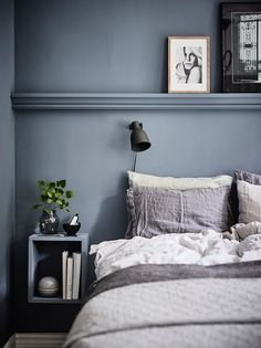Blue Scandinavian bedroom with modern interior – … - Home Decoration Home Bedroom, Modern Bedroom, Bedroom Decor, Bedroom Ideas, Bedroom Signs, Decorating Bedrooms, Master Bedrooms, Modern Interior, Interior Design