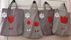 Na nákup zvesela Odhoďte igelitky, chraňte přírodu! Veselá nákupní taška je ušitá z bavlny, vel. cca 35 X 38- 40 cm, ucha 32 cm. Hama K případné objednávce napište prosím, kterou chcete.