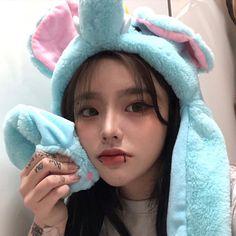 Korean girl with tattoos [ulzzang] [bad girl] [icon] Badass Aesthetic, Korean Aesthetic, Aesthetic Girl, Couple Aesthetic, Pretty People, Beautiful People, Korean Best Friends, Ulzzang Korean Girl, Uzzlang Girl