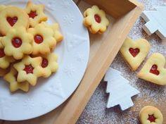 klasika ❤ #homemade #linzer #cookies #christmascookies #linecke #lineckakolecka #buttercookies #christmasbaking #christmas2018 #vanoce2018 #cukrovi #instabake #baking #peceni #bakingmom #homebaker #homebaked #lovebaking #instabake #foodie #foodlover #foodpics #foodphotography #yummy #czech #czechrepublic #avecplaisircz Christmas Baking, Christmas Cookies, Linzer Cookies, Food Pictures, Nutella, Waffles, Pineapple, Food Photography, Homemade
