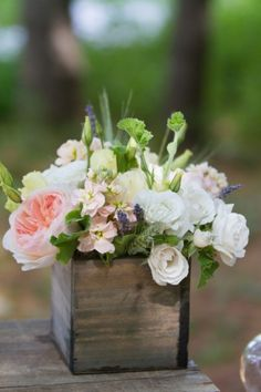 Rustic peach and white centerpiece