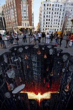 The most amazing 'Dark Knight' street art ever. // Madrid