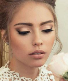 35 Simple Everyday Makeup Looks for Any Season; easy everyday makeup looks; natural makeup looks. - 35 Simple Everyday Makeup Looks for Any Season; easy everyday makeup looks; natural makeup looks. Bridal Hair And Makeup, Wedding Hair And Makeup, Wedding Beauty, Vintage Wedding Makeup, Bride Eye Makeup, Simple Bridal Makeup, Natural Bridal Makeup, Bridal Make Up, Prom Make Up