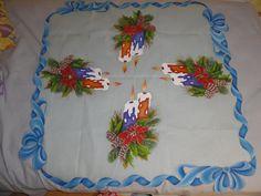 Otro camino de mesa ideal para lucir en el comedor esta navidad.