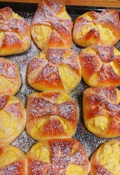 Túrós batyu, a család nagy kedvence, ebből egy morzsa se marad! Hungarian Recipes, Pretzel Bites, Food Photo, Bakery, Bread, Pastries, Kuchen, Essen, Brot