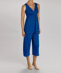 Royal blue nursing pajamas with built in sleep bra and cargo pocket...yes!!  http://www.lactationconnection.com/