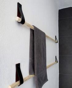 Baldas y percheros: toallero con pasadores de cuero                                                                                                                                                                                 Más