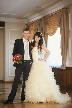 2a5a9c06e00 Pale Yellow Wedding Dress Pale Yellow Weddings