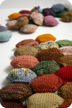 Never Not Knitting's hexipuffs for the beekeepers quilt