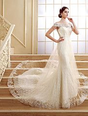 Trumpet+/+Mermaid+Petite+Wedding+Dress+Court+Train+Off-the-shoulder+Lace+with+–+GBP+£+286.53