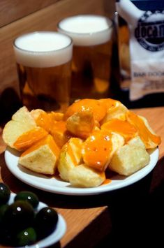 Bravas potatoes and beer Madrid Tapas, Bar Madrid, Tapas Bar, Catering, Latina, Vegetarian, Eat, Ethnic Recipes, Food