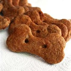 My dog loves peanut butter and bananas! She's gonna flip when I make these Peanut Butter and Banana Dog Biscuits! Dog Biscuit Recipes, Cookie Recipes, Sweet Potato Dog Chews, Banana And Egg, Dog Cookies, Dog Biscuits, Homemade Dog Treats, Peanut Butter, Dog Care