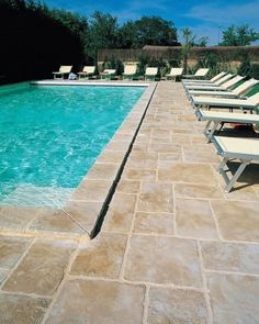 Pavers- paving stone pool deck design ideas stamped concrete natural stone look Pool Pavers, Concrete Pool, Pool Landscaping, Paver Sand, Backyard Pavers, Pool Coping, Swimming Pool Decks, Lap Pools, Indoor Pools