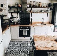 If you want to add a special touch to your Scandinavian dining room lighting des. - Decor Diy Home New Kitchen, Kitchen Decor, Kitchen Ideas, Kitchen Black, Kitchen Backsplash, Black Backsplash, Kitchen Cupboards, Rustic Kitchen, Bohemian Kitchen