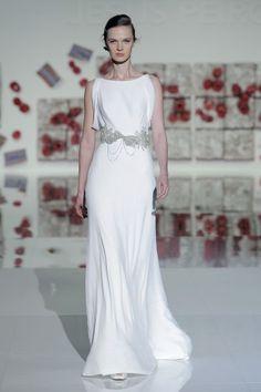 Vestidos de novia para mujeres bajitas 2017: 40 diseños perfectos para tu gran día Image: 31