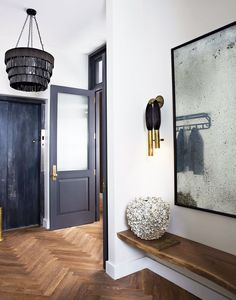 12 Easy Ideas for Sprucing Up Your Entryway via @MyDomaine