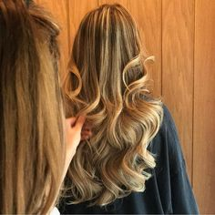 The master @loubaldwin_hair at work  Using our Salon Pro ITips range #hair #extensions #balayage