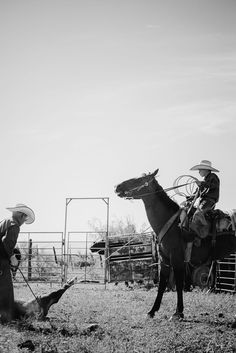 Cowboy Photography, Desert Aesthetic, Cowboy Images, Rdr 2, Cowboy Horse, Old West, Armour Wear, Cowboys, Westerns