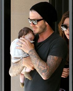 Harper Beckham, the adorable youngest child and only daughter to Victoria and David Beckham, is forever being cuddled and coddled by her dashing father. Here, her first two years with her proud pap… Vic Beckham, Harper Beckham, Bend It Like Beckham, Victoria And David, David And Victoria Beckham, Victoria Beckham Style, David Beckham Family, David Beckham Style, Posh And Becks