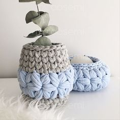 Crochet Basket Pattern, Crochet Box, Knit Basket, Knit Or Crochet, Crochet Stitches, Crochet Patterns, Crochet Baby Boots, Crochet Clothes, Diy Handmade Bags