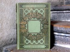 Green Vintage Wedding Guestbook, this is very pretty, i would like this for our wedding