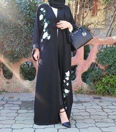 Dolce white rose abaya.  #EsteeAudra