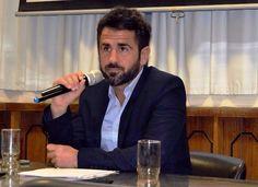 """Espartaco Martín: """"No les conviene hablar de negocios para pocos"""""""