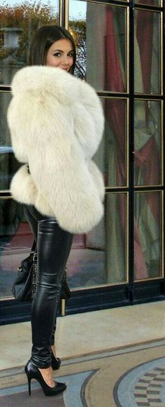 Home of Fur Fetish - wolfinskin: Victoria Justice for a fan. Victoria Justice, Fur Fashion, Winter Fashion, Womens Fashion, Fox Fur Coat, Fur Coats, Leder Outfits, Fabulous Furs, White Fur