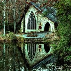An enchanted cottage in the forest. Home House This is actually a small chapel in Callaway Gardens in Georgia. Cottage In The Woods, Cozy Cottage, Forest Cottage, Lake Forest, Witch Cottage, Forest Garden, Forest House, Chapel In The Woods, Callaway Gardens
