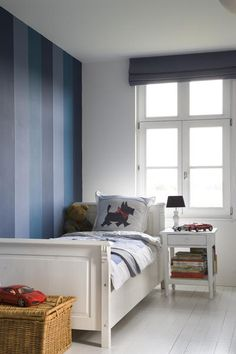The sophisticated classically modern design of Jamie Herzlinger Interiors Striped Walls Bedroom, Striped Accent Walls, Accent Wall Bedroom, Blue Bedroom, Kids Bedroom, Bedroom Decor, Colorful Interior Design, Modern Design, Bedroom Pictures