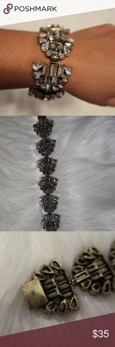 Banana Republic bracelet No stones missing. Like new in great condition bracelet Banana Republic Jewelry Bracelets