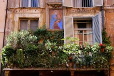 Between heaven and earth  -    Balcony in Rome