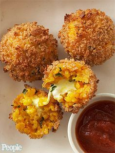 Here's a super snack for Super Bowl Sunday: Unfried Rice Balls Arancini.  Recipe:http://www.people.com/people/article/0,,20668216,00.html