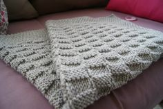 Do you want to create a simple knit baby blanket pattern?