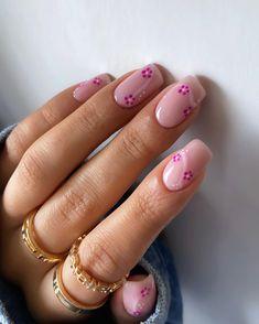 Edgy Nails, Oval Nails, Stylish Nails, Trendy Nails, Nail Shapes Square, Square Nails, Short Nail Designs, Pink Nail Designs, Gel Manicure Designs